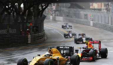 Kevin Magnussen Renault RS16 leads Max Verstappen Red Bull RB12 TAG Heuer Monaco GP F1 2016 Foto f1fanatic