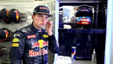 Max Verstappen Red Bull TAG Heuer RB12 European GP Baku F1 2016 in garage Foto Red Bull