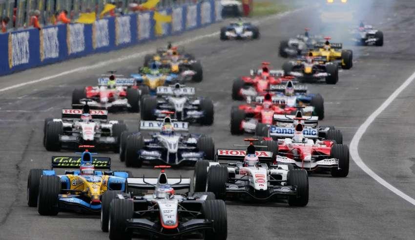 San Marino GP F1 2005 Imola F1 start of the race foto LAT