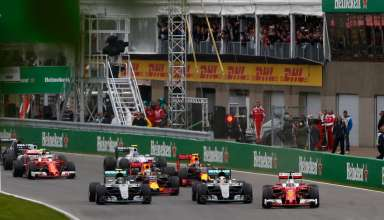Start of the Canadian GP F1 2016 Seb in the lead Foto Mercedes