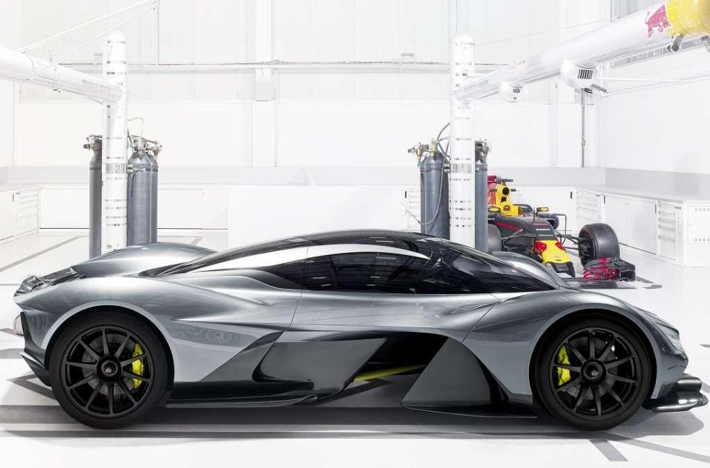 Aston Martin Red Bull F1 hypercar AM-RB 001 side Foto Autosport