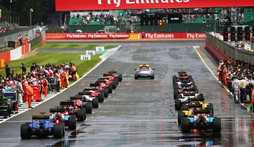 British GP F1 2016 start behind safety car Foto f1fanatic