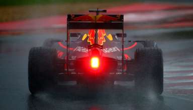 Daniel Ricciardo Red Bull RB12 TAG Heuer Hungarian GP F1 2016 in the wet Foto Red Bull