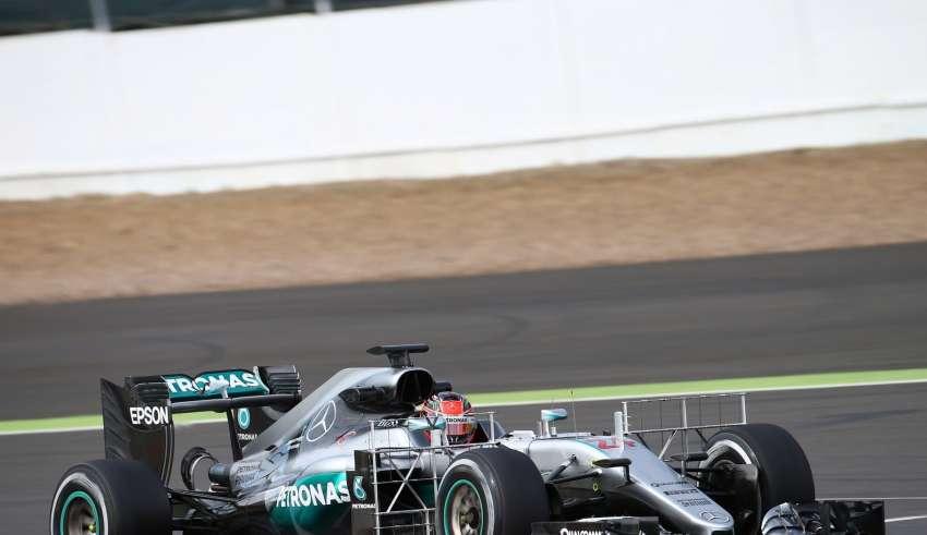Esteban Ocon Mercedes W07 Hybrid Silverstone F1 test 2016 Foto f1fanatic