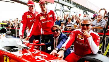 Ferrari F1 Ray Ban sponorship deal Great Britain GP Silverstone F1 2016 team photo Foto Ferrari