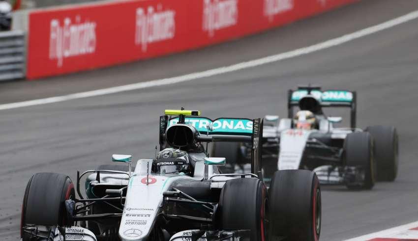 Hamilton chases Rosberg Austrian GP F1 2016 Foto F1fanatic