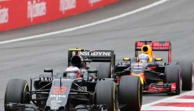 Jenson Button leads Daniel Ricciardo Austrian GP F1 2016 Foto F1fanatic