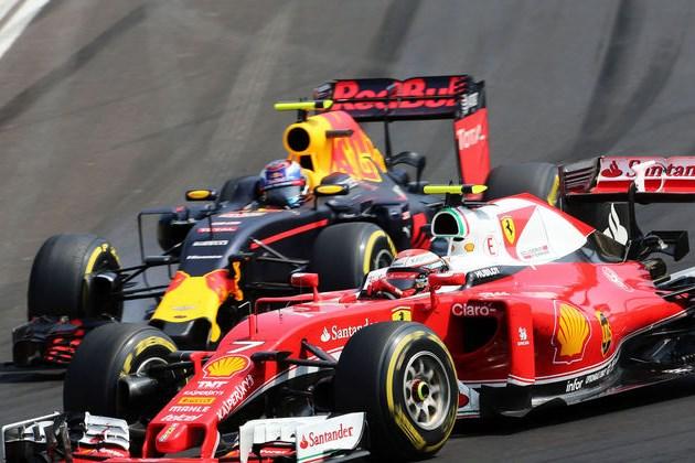 Kimi Raikkonen and Max Verstappen Hungarian GP F1 2016 Foto Auto Moto und Sport