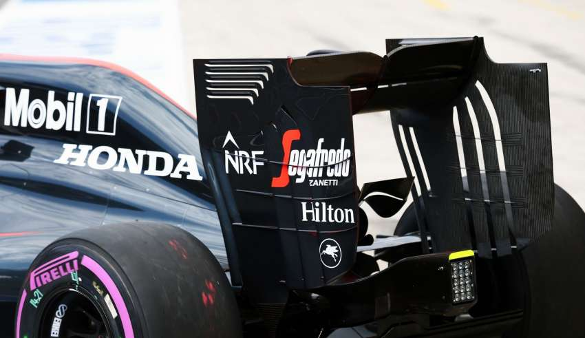 McLaren radical new rear wing on track- Austrian GP Red Bull Ring F1 2016 Foto f1fanatic