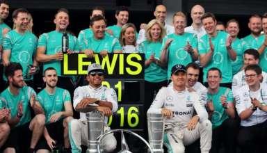 Mercedes F1 team celebration after Hamilton win at German GP F1 2016 Foto Mercedes