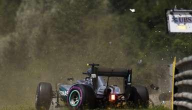 Nico Rosberg Mercedes W07 Hybrid Austrian GP F1 2016 fp3 chrash 2 Foto LAT