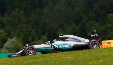 Nico Rosberg Mercedes W07 Hybrid Austrian GP F1 2016 grass background Foto Daimler