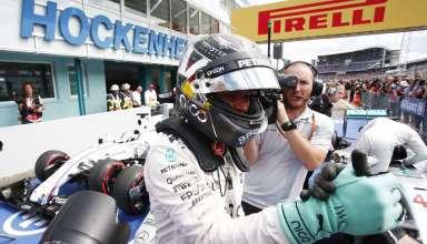 Nico Rosberg Mercedes W07 Hybrid German GP F1 2016 after qualy parc ferme celebration Foto Daimler