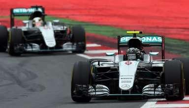 Nico Rosberg leads Lewis Hamilton Mercedes W07 Hybrid Austrian GP F1 2016 Foto Sutton images