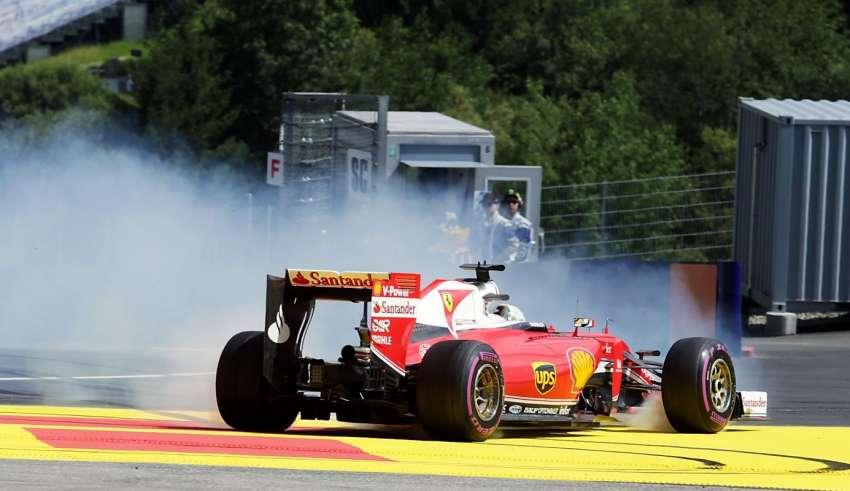 Sebastian Vettel Ferrari SF16-H Austria GP F1 2016 fp2 spin foto F1fanatic