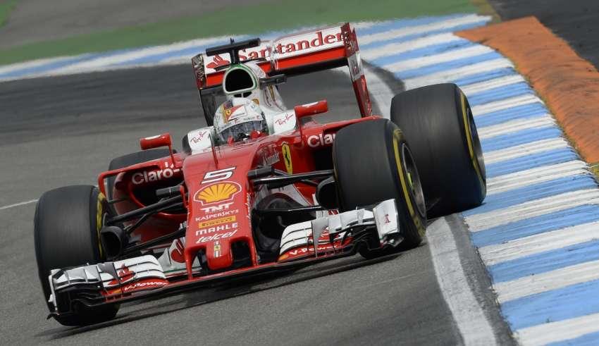 Sebastian Vettel Ferrari SF16-H German GP F1 2016 penultimate corner at Hockenheim Foto Ferrari