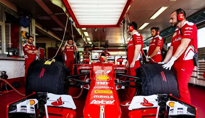 Esteban Gutierrez Ferrari SF15-T Fiorano Pireli test in garage F1 2016 02-08-2016 Foto Ferrari