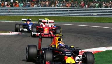 Max Verstappen leads Vettel and Ericsson Belgian GP F1 2016 Foto Red Bull