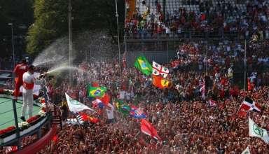 Italian GP Monza F1 2012 podium and crowd Foto Carfolio