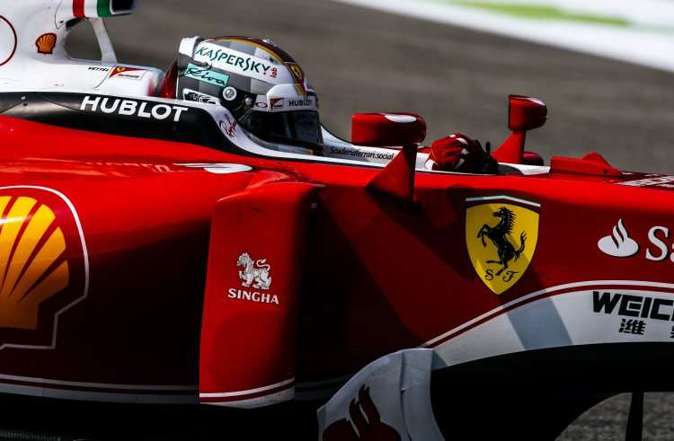 Sebastian Vettel Ferrari SF16-H Italian GP F1 2016 close side Foto Ferrari