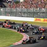 japanese-gp-f1-2013-first-corner-grosjean-leads-webber-foto-lat