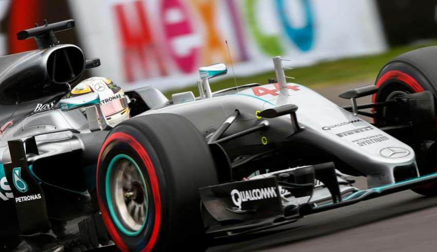 lewis-hamilton-mercedes-w07-hybrid-mexican-gp-f1-2016-supersoft-pirelli-foto-daimler