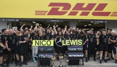 mercedes-amg-petronas-f1-team-celebrates-third-consecutive-title-at-japanese-gp-suzuka-f1-2016-foto-daimler