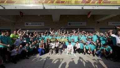 mercedes-celebrate-victory-usa-gp-austin-f1-2016-foto-daimler