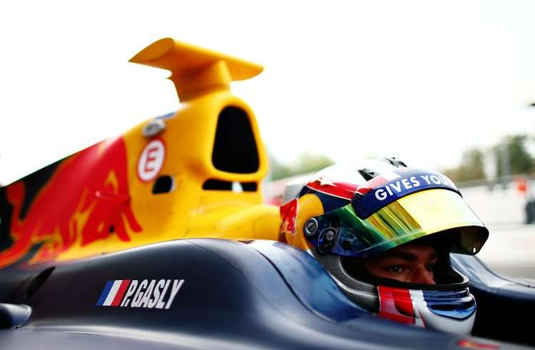 pierre-gasly-gp2-2016-foto-red-bull