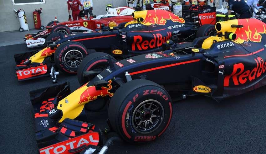 red-bulls-and-raikkonen-ferrari-mexico-gp-f1-2016-foto-pirelli