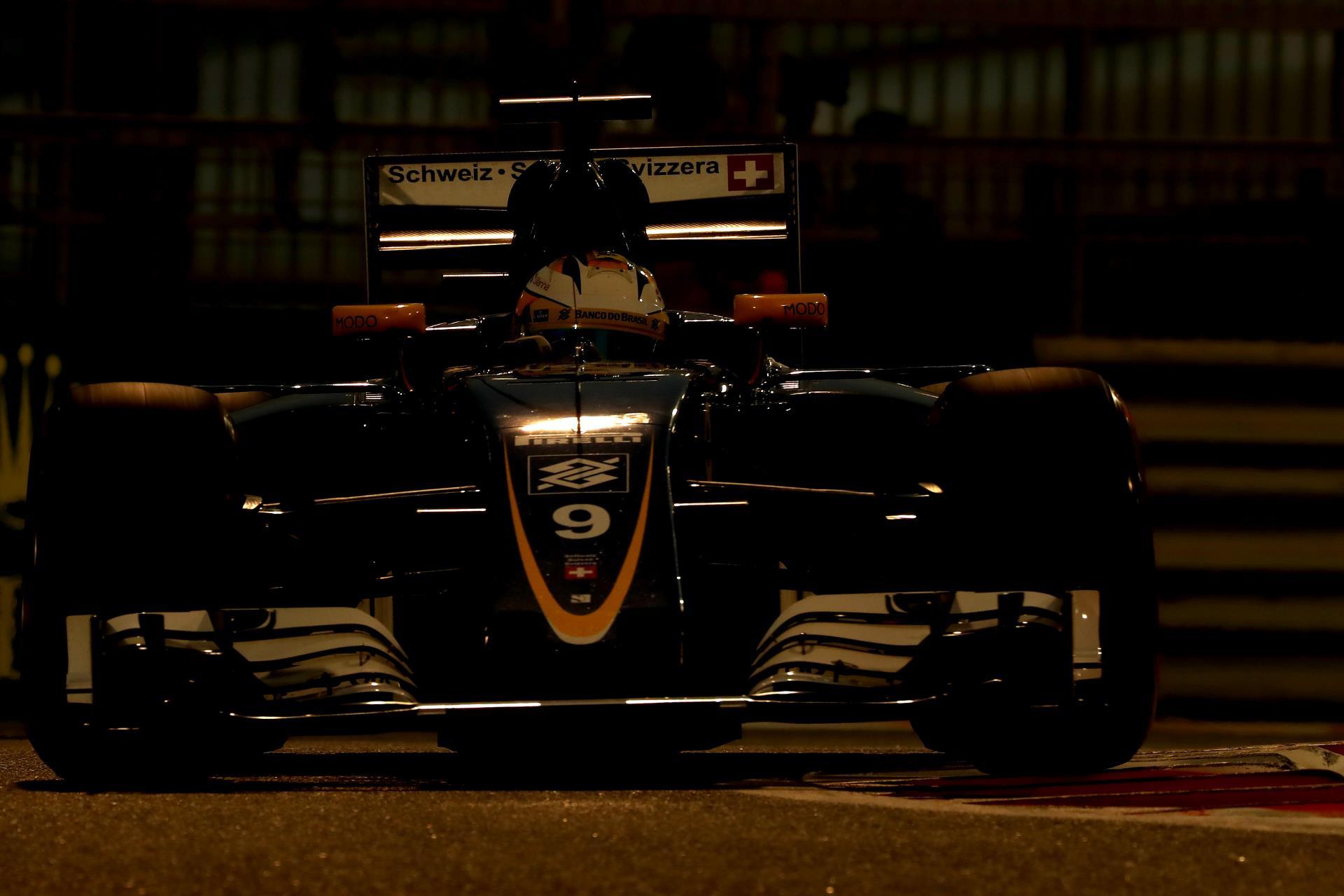 Sauber-C35-Abu-Dhabi-F1-2016-dusk-Foto-Sauber.