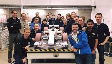 manor team shows f1 2017 50 percent model foto motorsport-com