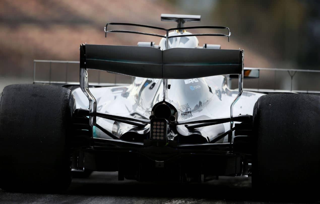 Mercedes W08 rear end rake