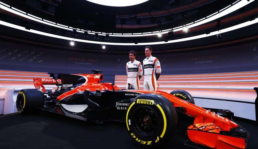 McLaren MCL32 launch Alonso Vandoorne Foto McLaren