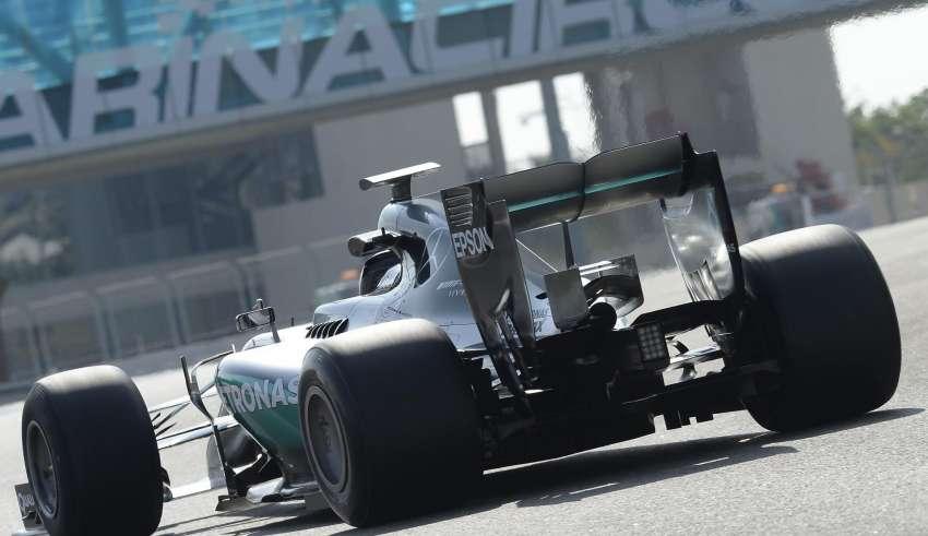 Mercedes F1 2016 Pirelli 2017 tyre test Abu Dhabi Foto Pirelli