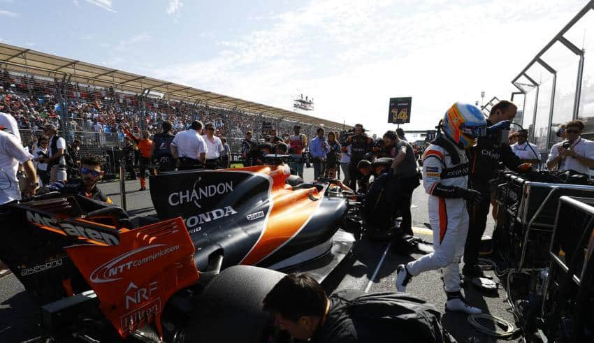 Fernando Alonso McLaren Honda MCL32 on the grid Foto McLaren