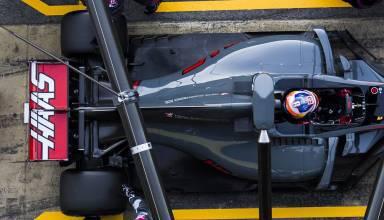 Grosjean Haas F1 2017 Foto Haas pitstop top view