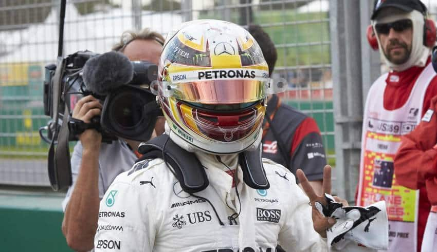 Hamilton Australian GP F1 2017 Mercedes after qualifying Foto Daimler