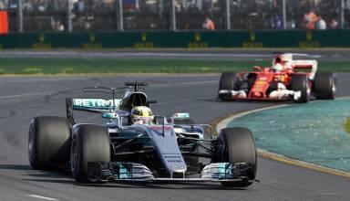 Hamilton leads Vettel Australian GP F1 2017 Foto Daimler