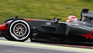 Kevin Magnussen Haas VF-17 Barcelona testing side Foto Haas