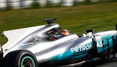Lewis Hamilton Mercedes W08 Barcelona testing F1 2017 side Foto Daimler