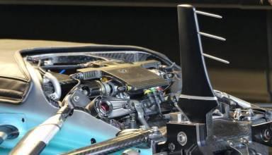 Mercedes W08 Australia F1 2017 front suspension uncovered Foto Auto Motor und Sport
