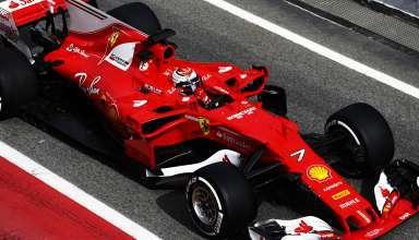 Raikkonen Barcelona F1 2017 test Ferrari SF70H pitlane Foto Ferrari