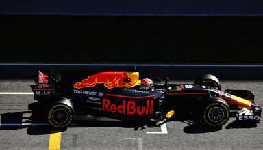 Verstappen Red Bull RB13 Barcelona F1 2017 test start finish straight Foto Red Bull
