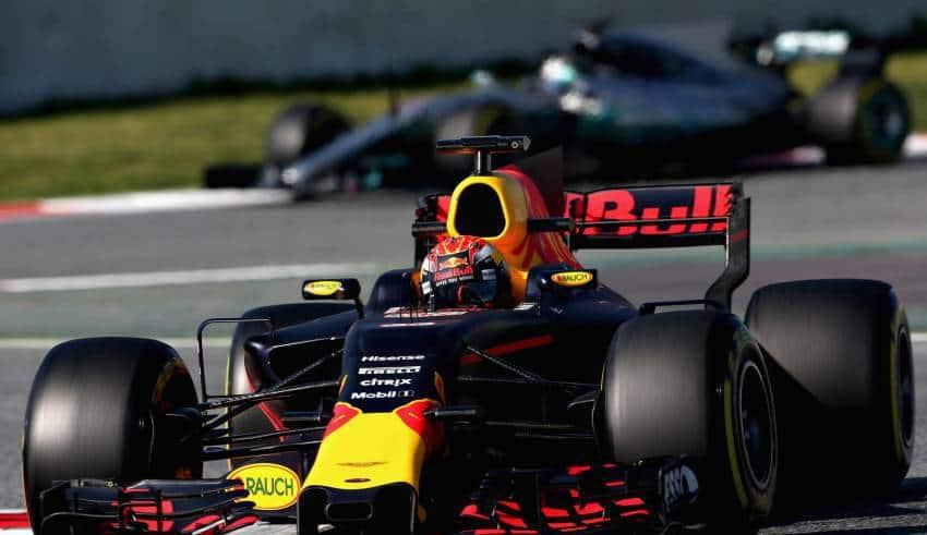 Verstappen leads Bottas Barcelona F1 test 2017 Foto Red Bull