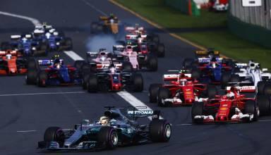 australian gp f1 2017 start hamilton leads vettel foto pirelli