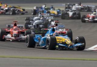 Bahrain GP F1 2005 first lap Foto F1fansite