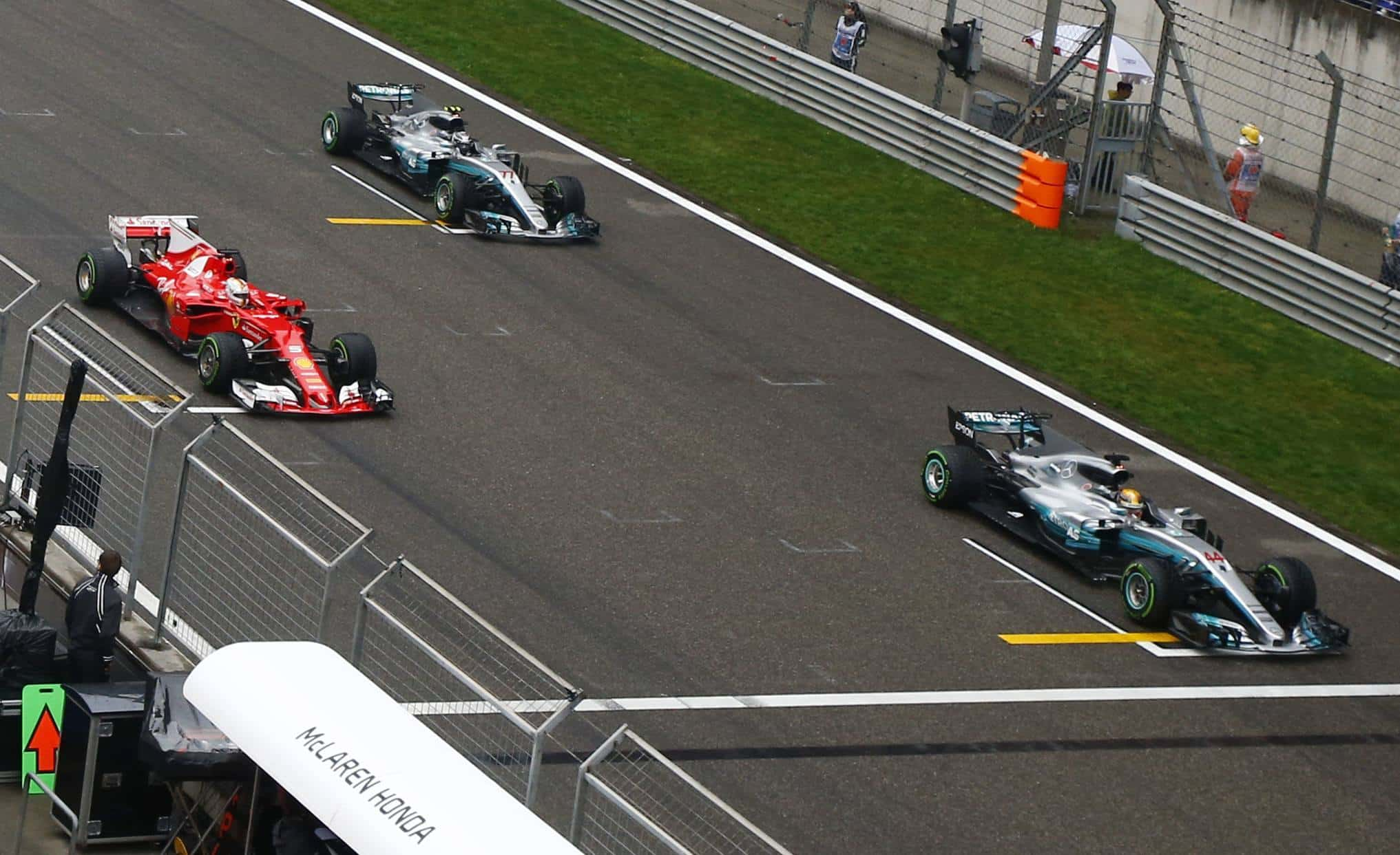 Chinese GP F1 2017 start top3 Foto Daimler