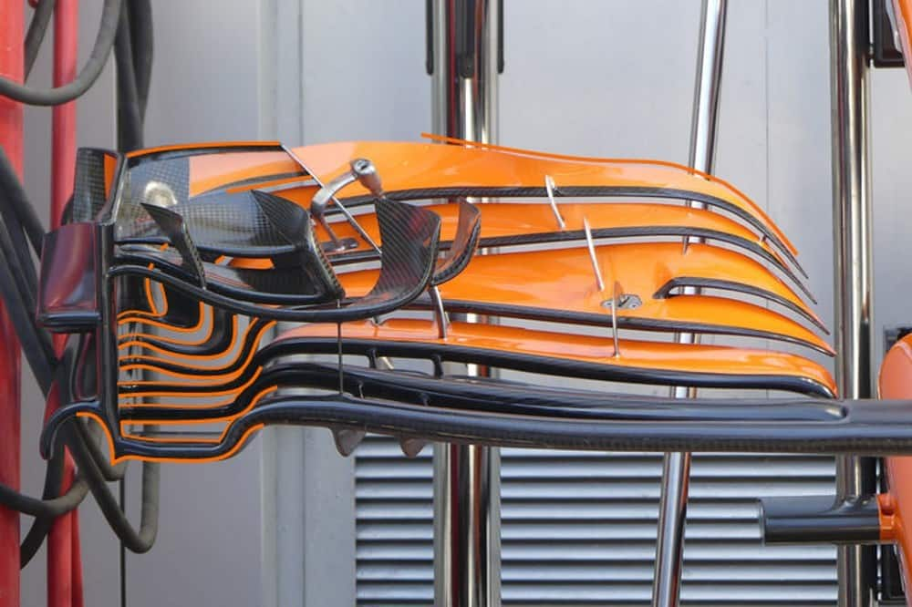 McLaren two different front wing configurations in Sochi