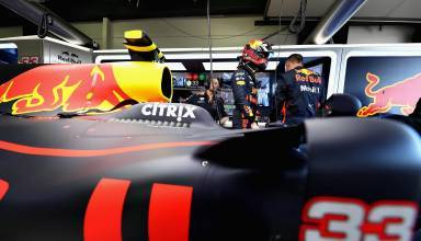 Red Bull RB13 Verstappen garage Australian GP F1 2017 Foto Red Bull